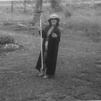 mom-the-gardener